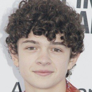Noah Jupe contacting number, email id, residence address